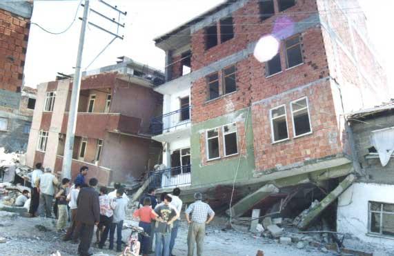 Deprem sonrasi resimleri